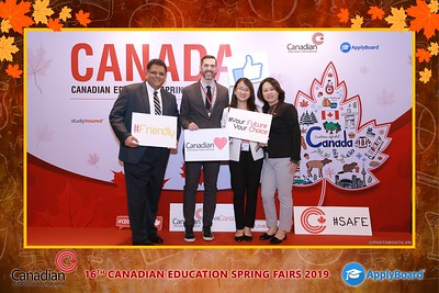 Canadian-Education-Sprint-Fairs-2019-HCMC-instant-print-photobooth-chup-hinh-in-anh-lay-ngay-su-kien-Tiec-cuoi-WefieBox-photobooth-Vietnam-019