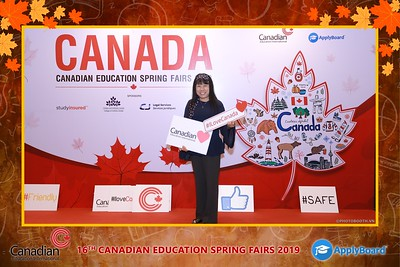 Canadian-Education-Sprint-Fairs-2019-HCMC-instant-print-photobooth-chup-hinh-in-anh-lay-ngay-su-kien-Tiec-cuoi-WefieBox-photobooth-Vietnam-004