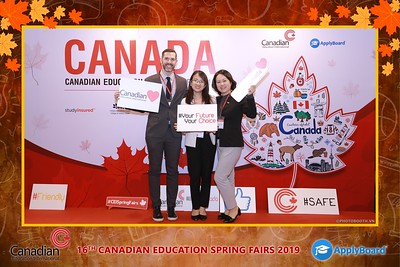 Canadian-Education-Sprint-Fairs-2019-HCMC-instant-print-photobooth-chup-hinh-in-anh-lay-ngay-su-kien-Tiec-cuoi-WefieBox-photobooth-Vietnam-018