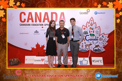 Canadian-Education-Sprint-Fairs-2019-HCMC-instant-print-photobooth-chup-hinh-in-anh-lay-ngay-su-kien-Tiec-cuoi-WefieBox-photobooth-Vietnam-023