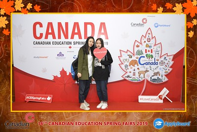 Canadian-Education-Sprint-Fairs-2019-Hanoi-instant-print-photobooth-chup-hinh-in-anh-lay-ngay-su-kien-Tiec-cuoi-WefieBox-photobooth-Vietnam-002