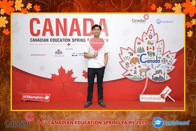 Canadian-Education-Sprint-Fairs-2019-Hanoi-instant-print-photobooth-chup-hinh-in-anh-lay-ngay-su-kien-Tiec-cuoi-WefieBox-photobooth-Vietnam-004