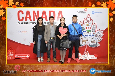 Canadian-Education-Sprint-Fairs-2019-Hanoi-instant-print-photobooth-chup-hinh-in-anh-lay-ngay-su-kien-Tiec-cuoi-WefieBox-photobooth-Vietnam-009
