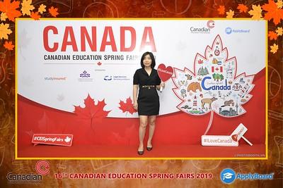 Canadian-Education-Sprint-Fairs-2019-Hanoi-instant-print-photobooth-chup-hinh-in-anh-lay-ngay-su-kien-Tiec-cuoi-WefieBox-photobooth-Vietnam-006