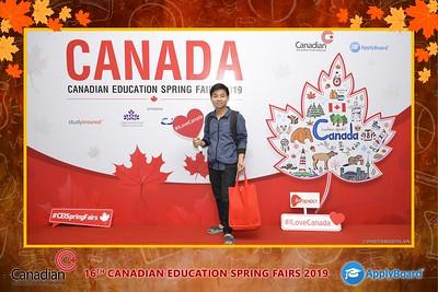 Canadian-Education-Sprint-Fairs-2019-Hanoi-instant-print-photobooth-chup-hinh-in-anh-lay-ngay-su-kien-Tiec-cuoi-WefieBox-photobooth-Vietnam-010