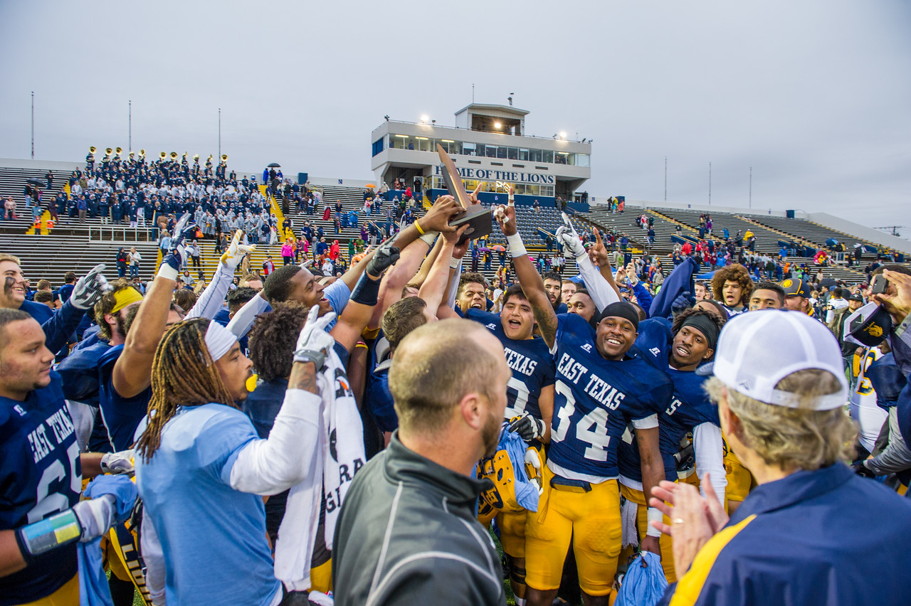 Athletics-Football vs MSU - Championship 2015-7415
