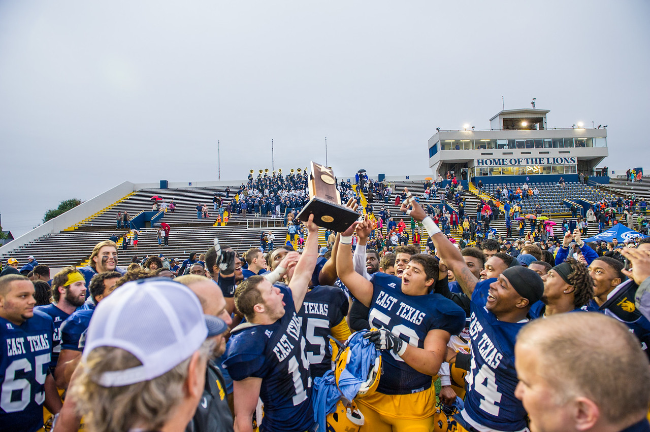 Athletics-Football vs MSU - Championship 2015-7411