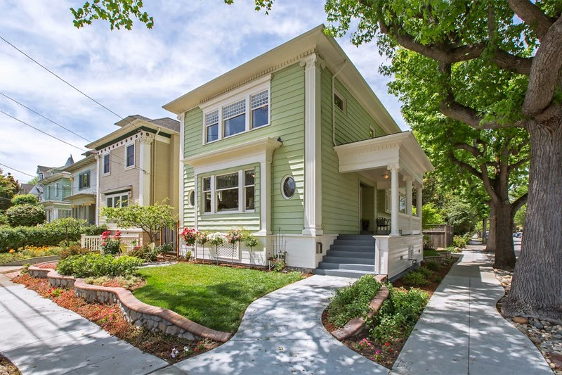 1738 Alameda Ave | Bronze Coast