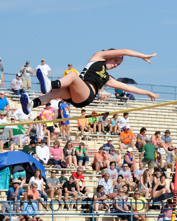 18 D2 TRACK AND FIELD STATES 0090