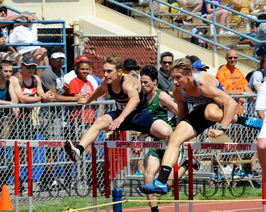 18 D1 TRACK AND FIELD STATES 0064