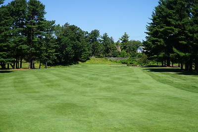 Needham Golf Club:  1st hole, second shot.  Reachable in 2 with a big drive.  I was jussssst a bit short.
