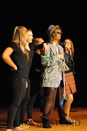 19 L SPRING MUSICAL  THE WIZ  0205