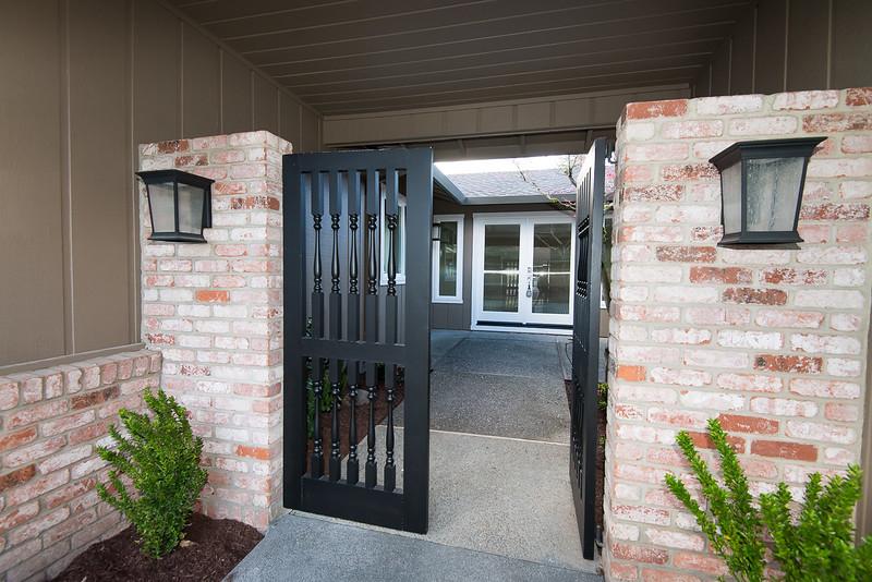 DSC_5498_entry_gate
