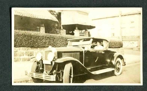 """29-44 with late hubcaps and interestingly patterned W/W tires  called """"white diamond walls"""". (2 of 3 pictures)."""