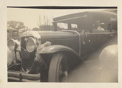 29 Buick Sedan (w/ 2 bar bumper)