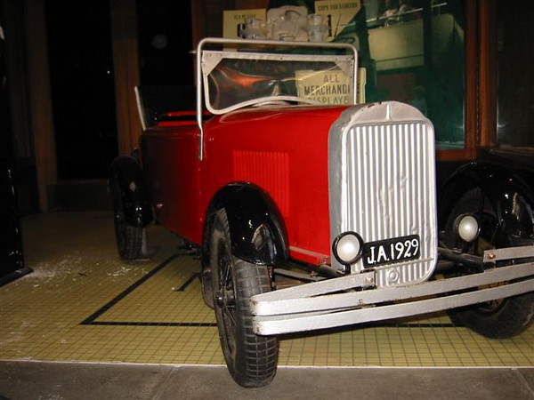 29-44 - Child's Pedal-car with the 1929 Buick radiator (at the Montague Motor Museum in the UK).  Thanks to Lars Stattin.