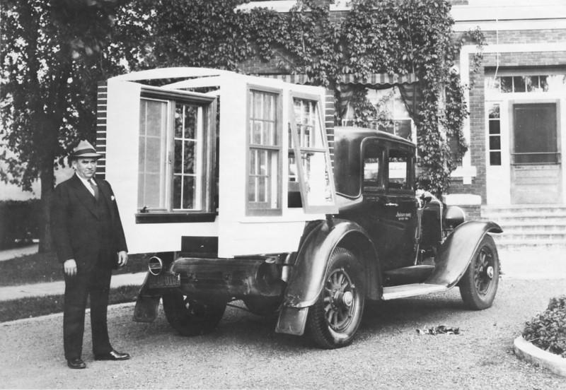 Andersen Windows Display car - original car photo (circa 1932)