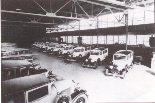 1929 Flxible-Buick special Ambulances (from: Flxible - Professional Vehicles: The Complete History)