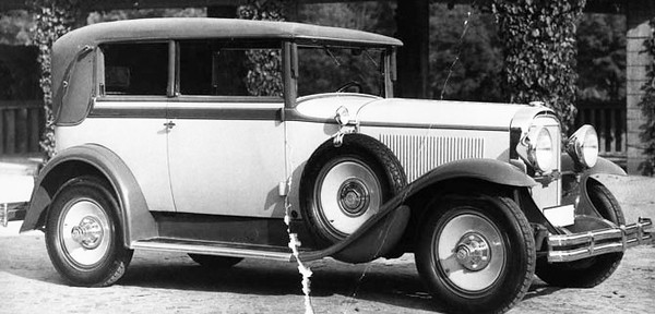 1930 Special Brougham with what appears to be 1929 Buick Disc Wheels