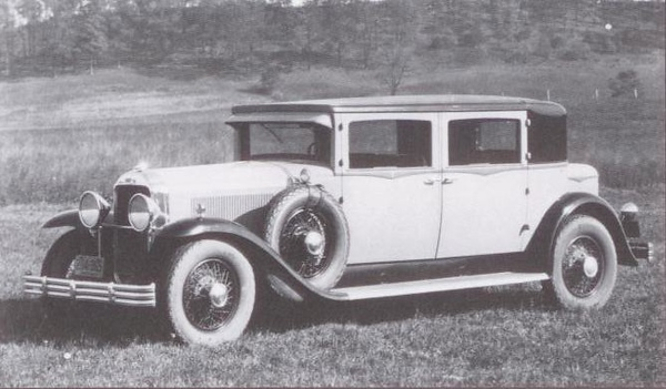 1929 Flxible-Buick Custom Limousine (from: Flxible - Professional Vehicles: The Complete History)