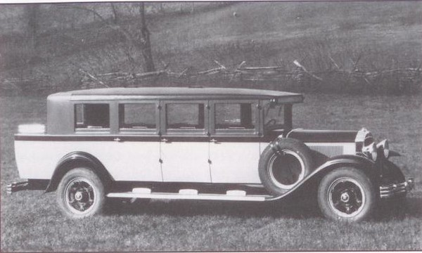 1929 Flxible-Buick 12 passenger Bus (from: Flxible - Professional Vehicles: The Complete History)