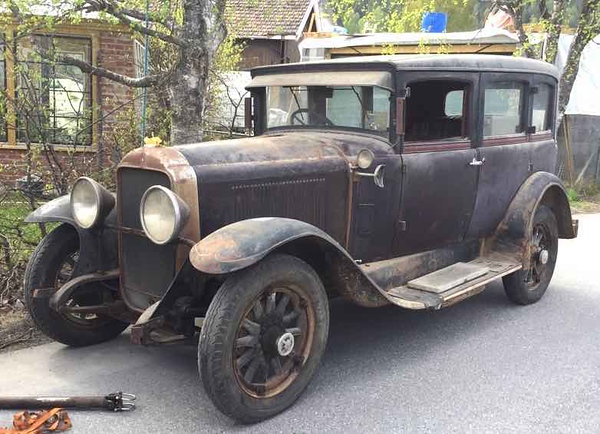 29-27C - Owned by Knut Arne Windsand, in Norway.  Note: RHD.  Car built in Canada.