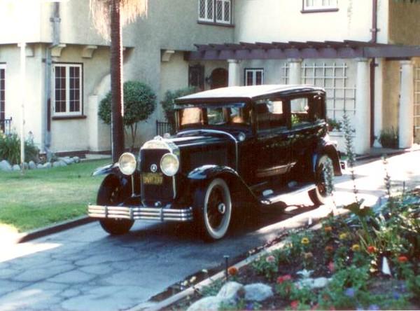 """29-57 (129"""" series) - Five passenger four door Sedan"""