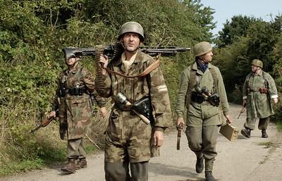 FALLSCHIRM-JAGER Regiment 5 RE-ENACTMENT GROUP at ''OPERATION MARKET BOSWORTH''