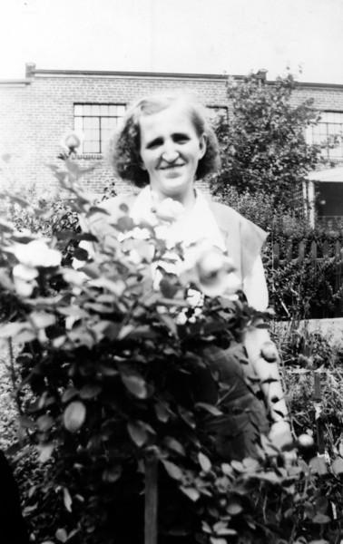Aug. 26, 1947, East Elmhurst, NY