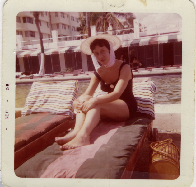 1958 09 Jane Segal in Miami