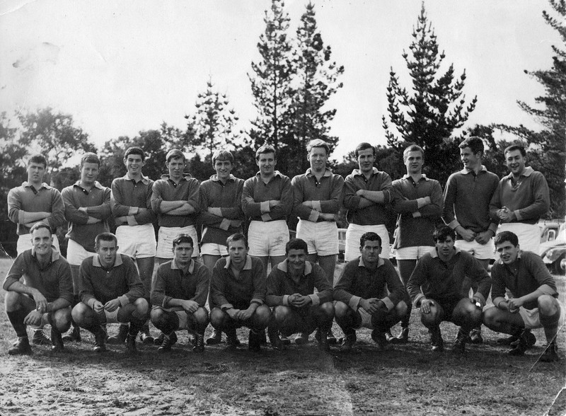 1959 Hastings - Portsea vs Pt Leo football match<br /> <br /> Back Row L-R<br /> Kevin Greenhatch<br /> Marcus Burke<br /> J Methabb ??<br /> G Bond<br /> Fletcher<br /> Mal Hall<br /> Graeme Boykett<br /> M Munro<br /> Andrew Wright<br /> T Smith<br /> Richard Wright<br /> <br /> Front Row L-R<br /> C McCahey<br /> G Barton<br /> David Marshall<br /> Buddy Alekna<br />  P McAdie<br /> D Parker<br /> B O'Halloran<br /> Denis Glynn