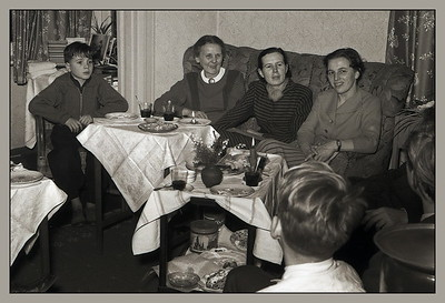 Matthias, Tante Issi, Dorle Bock, Mami  (Komrad)