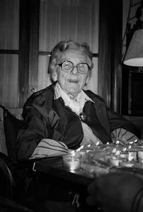 Tante Issi am 1. Januar 1990