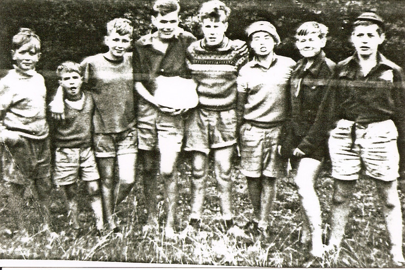 (l-r) John Green, Butch Marshall, George Marshall, John Link, Gordon Hayward, Tony Shepherd, Nick Wood, Micheal Dick.