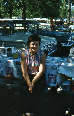 1961  - 25 Elenore W