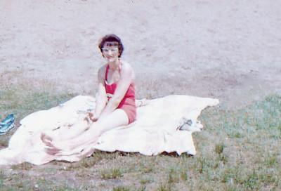 1961 - 18 Mom