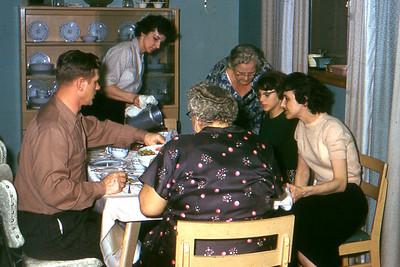 1960 - 03 Ed, Mom, Busa, Judi, El