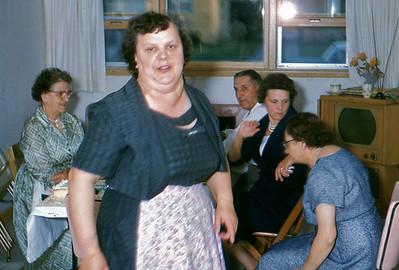 1961 - 21 Aunt Stella