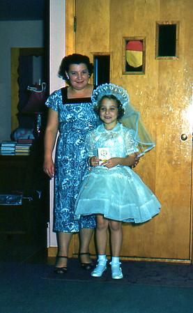 1961 - 04 Jean and Delores