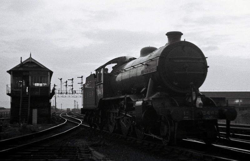 3442 The Great Marquess, Neville Hill, 10 September 1966   Dusk, and The Marquess goes on shed.