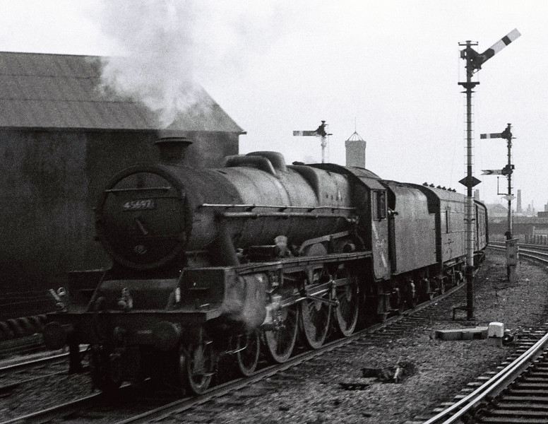 45697 Achilles, Whitehall Junction, Leeds, 10 September 1966