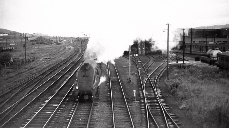 60034 Lord Faringdon, Stirling, 25 August 1965   The up Bon Accord passes Stirling shed.