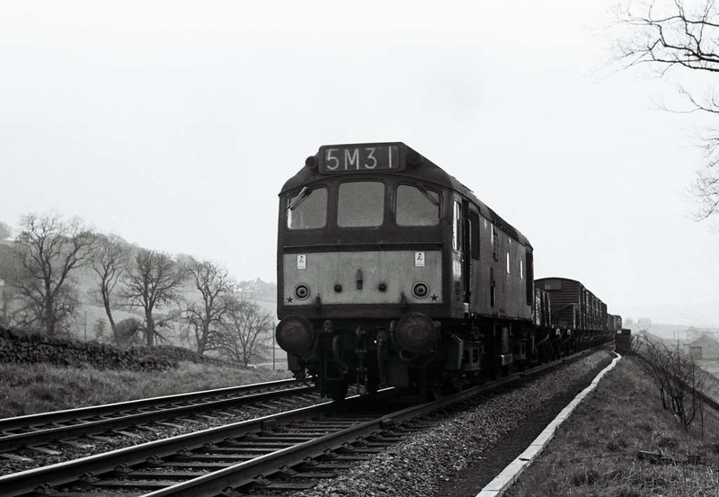 D52xx, 5M31, near Settle Junction, 1 April 1967.