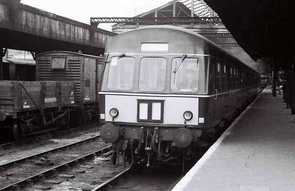 Metro-Cammel DMU, Leeds Central, Sat 29 April 1967