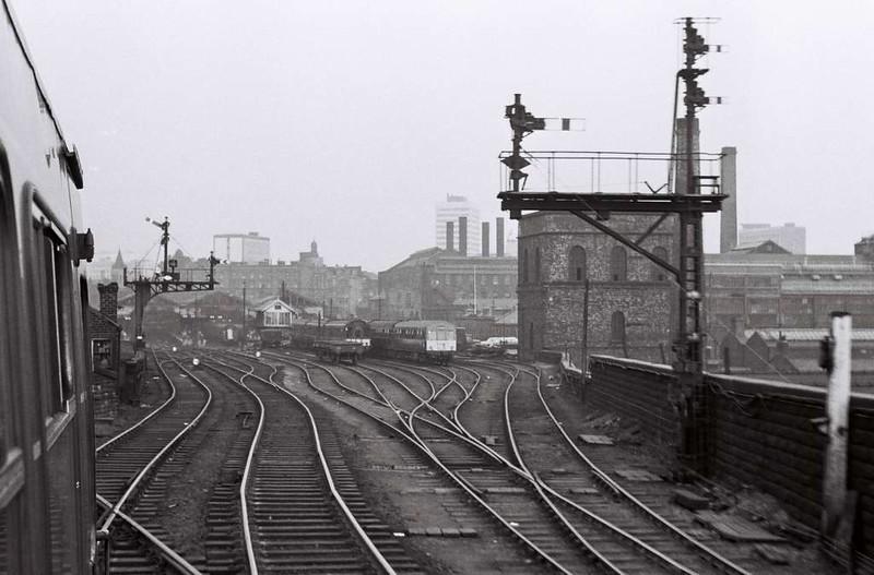 Arriving at Leeds Central, Sat 29 April 1967