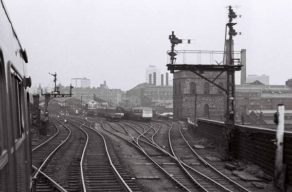 Arriving at Leeds Central, Sat 29 April 1967