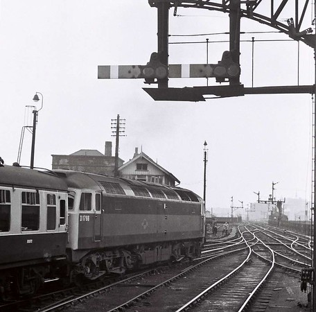 D1766,  Leeds Central, Sat 29 April 1967.  This loco subsequently became 47171, 47592 and 47738.  It was scrapped in 2003.