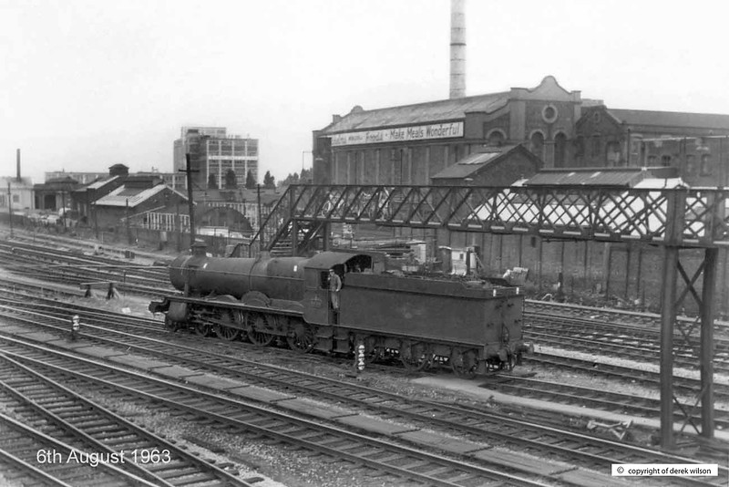 19630806-001  Great Western Railway 'Hall' 4-6-0 No. 5939 Tangley Hall, seen at Southall. Taken on the way to Swindon, we also called at Slough on the outward run, and then at Reading on the way back to London.
