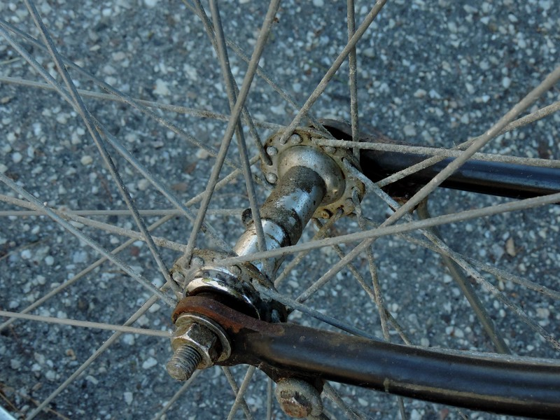 Old factory front wheel is a 32 spoker.