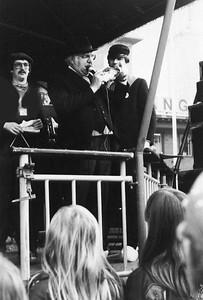 Jan van Lier, in het midden en links Hans Alders van de Slurfers